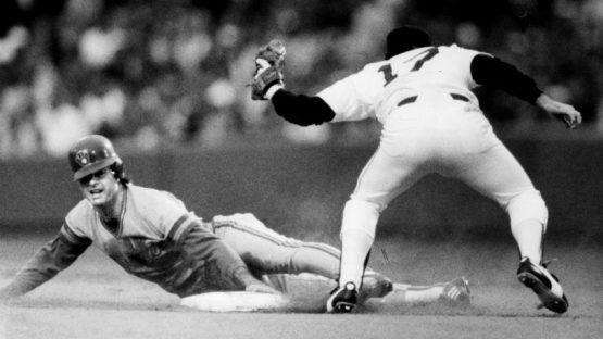BG Store/print scan **OPS**   Globe photo Bill Brett 6/23/1987. Boston Ma. Red Sox Vs Milwaukee Brewers. Brewers #4 Paul Molitor tagged out at second base by Red Sox #17 Marty Barrett.